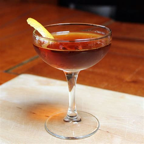 A Sweet And Classic Whiskey New York Cocktail Recipe