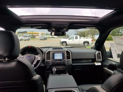 loaded  ford   raptor pickup  sale