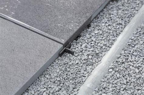 terrassenplatten in trenagebeton verlegen terrassenplatten verlegen muster