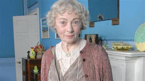 Geraldine Mcewan Dies At 82; Actress Played Miss Marple On