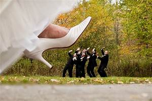 20 awesome photo ideas for wedding parties who know how to With fun ideas for weddings