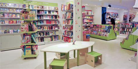 libri in libreria come vanno i libri e le librerie per ragazzi il post