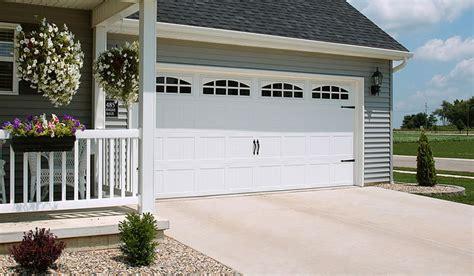 Garage Doors Midland Tx by Garage Door 52xx With Cascade Windows White Door Doctor