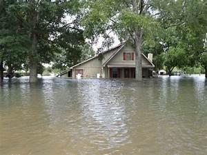 Incredible images show Louisiana's massive flooding