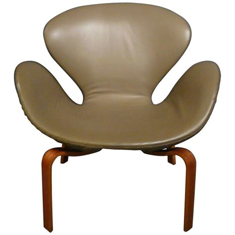 arne jacobsen swan chair for sale at 1stdibs