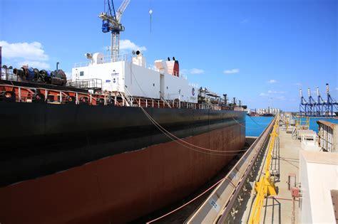 crowley marine services  barge   grand bahama