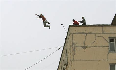 russian parkour girl  falls  storeys   death