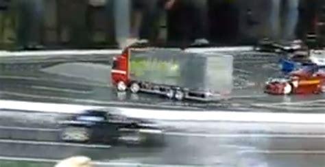 mercedes benz actros rc truck drifts   boss video