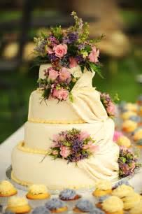 country wedding cake country backyard style wedding rustic wedding chic