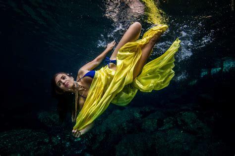 underwater model mexico  pakistan miami
