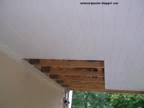 lambris pvc plafond exterieur www becassonaute r 233 aliser un faux plafond ext 233 rieur ou dessous de toit avec du lambris