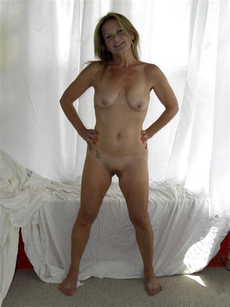 K8zde1349634240  In Gallery Hot American Milf Gilf Great Legs 4 Picture 7 Uploaded By