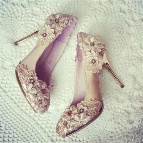 sale vintage flower lace wedding shoes  champagne