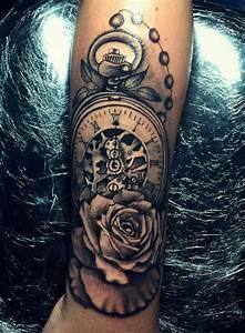 Tatouage Montre A Gousset Avant Bras : pingl par yesenia flores sur clock tattoo tatouage tatouage avant bras et tatouage homme ~ Carolinahurricanesstore.com Idées de Décoration