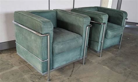 canapé lc2 le corbusier pair of le corbusier lc2 lounge chairs green suede and