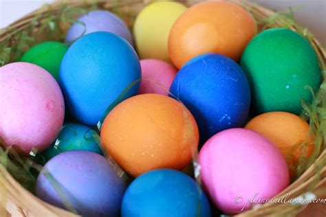 color easter eggs coloring easter eggs with food coloring