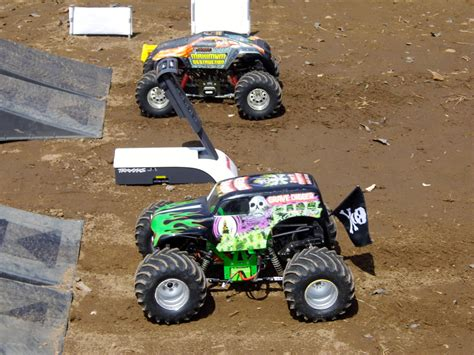 toy monster trucks racing 100 monster truck race track toys monster trucks