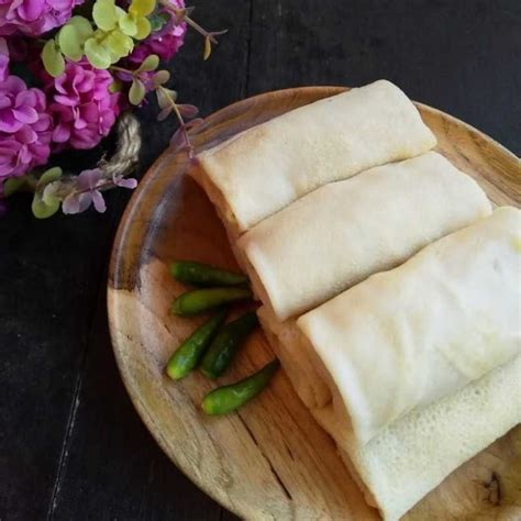 Lihat juga resep ayam serundeng enak lainnya. Resep dan Cara Membuat Lumpia Basah Isi Ayam | Yummy App