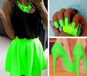 fashion style girl bright nail image on