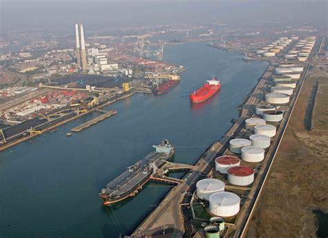 le trafic du port du havre recule 224 cause des hydrocarbures mer et marine