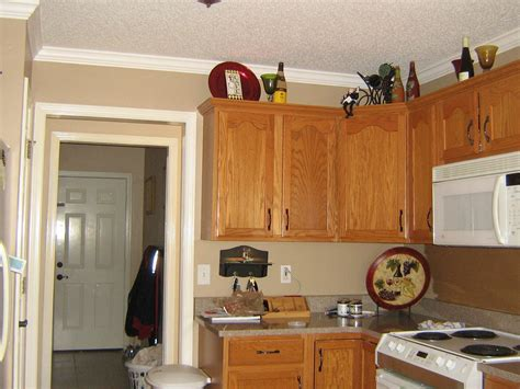 kitchen wall paint color ideas finding the best kitchen paint colors with oak cabinets