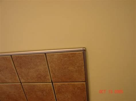 Tile Backsplash Edge Finishing : Chrome Schluter Edge To Finish Tile Instead Of Bullnose