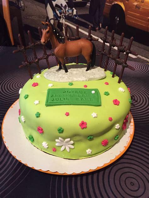 la cuisine de caro gâteau d 39 anniversaire décor pâte à sucre quot cheval quot la cuisine de caro