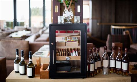 8 Absolute Must-have Bar Accessories Dad Wants For Father