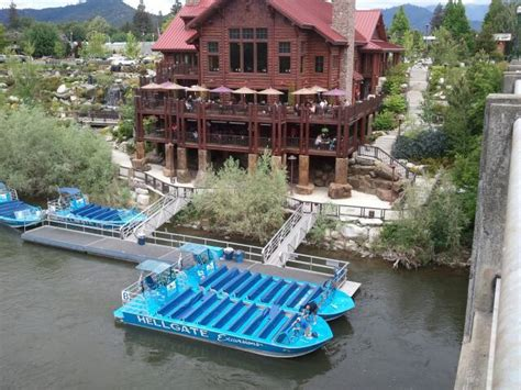 Dinner On A Boat Portland Oregon by Hellgate Jetboat Excursions In Grants Pass Oregon Must Go