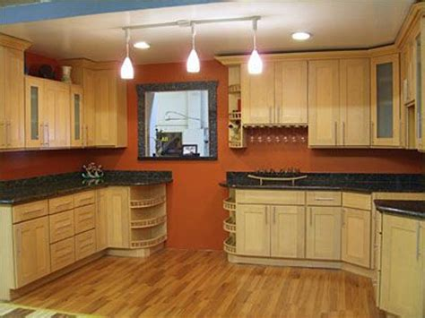 best paint colors for kitchen with maple cabinets