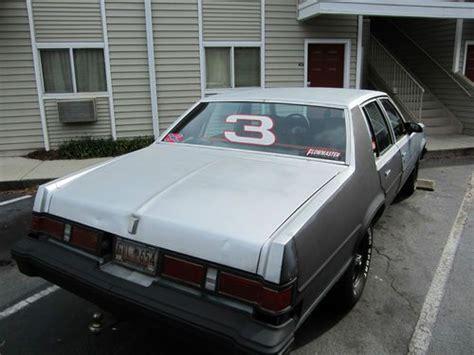 sell   oldsmobile delta  royale sedan  door