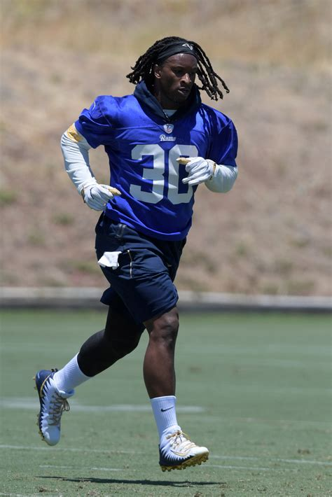 rams rb todd gurley wont play today