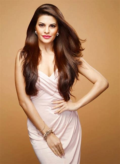 Something for everyone interested in hair, makeup, style, and body positivity. Beautiful Jacqueline - Fernandez white