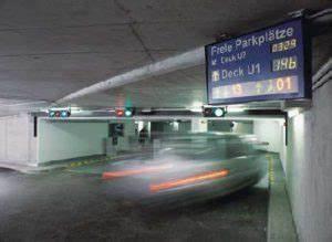 Langzeit Parken Düsseldorf Flughafen : parkm glichkeiten am flughafen d sseldorf parktarife ~ Kayakingforconservation.com Haus und Dekorationen