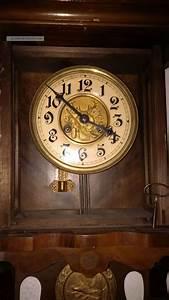 Wanduhren Mit Pendel Antik : wanduhr antik gong holzgeh use pendeluhr alt ~ Watch28wear.com Haus und Dekorationen