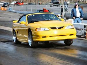 1995 Ford Mustang GT Convertible Pictures, Mods, Upgrades, Wallpaper - DragTimes.com