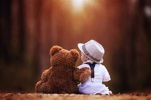 Cute Baby And Teddy Bear Wallpaper - DreamLoveWallpapers