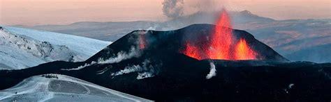 Vulcan island is a seasonal area only available during summer months. Vulkan-Island-Reise REISEN Sie zur Insel der VULKANE
