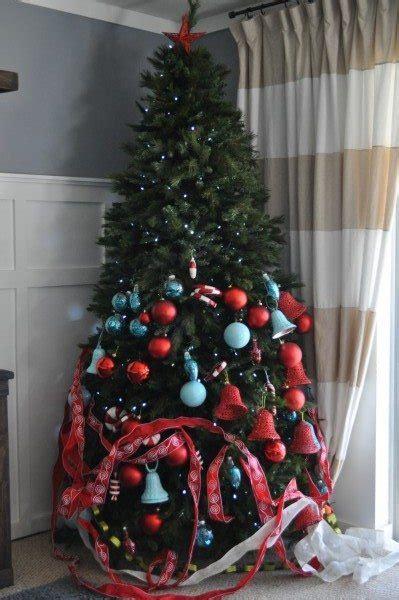 designer christmas tree   dollar tree sawdust