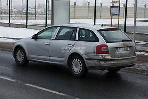 Skoda Octavia Combi Essence : spyshots new skoda octavia combi estate autoevolution ~ Gottalentnigeria.com Avis de Voitures