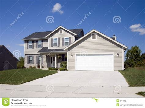 simple  story house  story modern homes modern  story house treesranchcom
