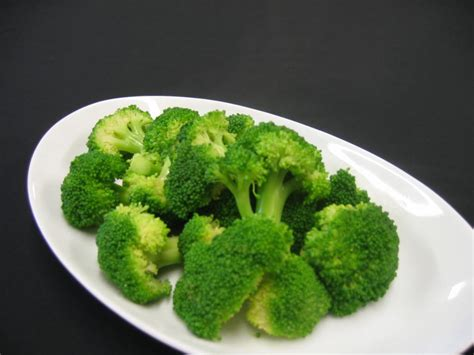 steaming broccoli broccoli healthiest food on earth secretly healthy