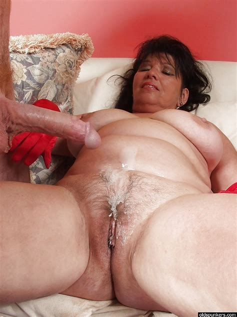 mature granny oma full nude