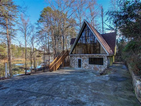 lake lanier cabins updated to the minute 100 mls lake lanier homes for