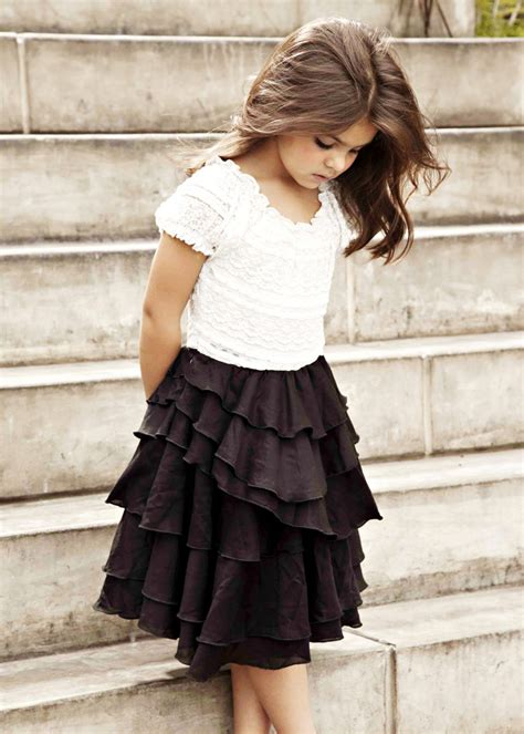 Beautiful little girl and such a cute modest outfit for little girls. | Outfits | Pinterest ...