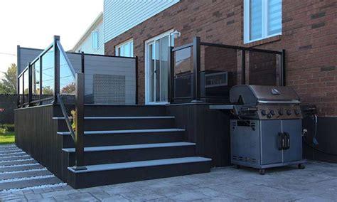 glass   smart choice     choosing  railing   deck   practical