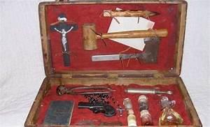 Supernatural Defense Equipment : 1800's Vampire Hunting Kit