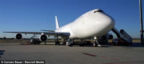 Boat Salvage Yards Perth by The Jumbo S Graveyard How A Mighty Boeing 747 Was Reduced