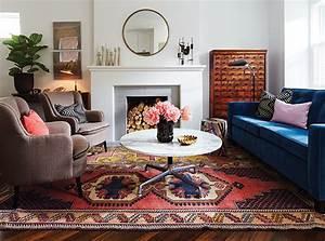 3 facons originales de decorer avec un tapis exotique for Tapis oriental avec canapé maison de famille