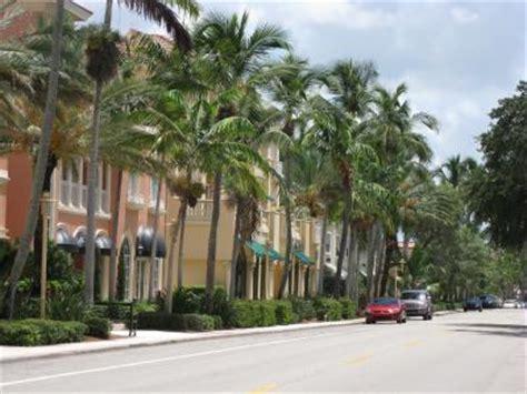 avenue south naples downtown  naples florida